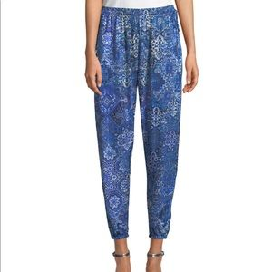 New Elie Tahari Heather Pants in Graphic Print